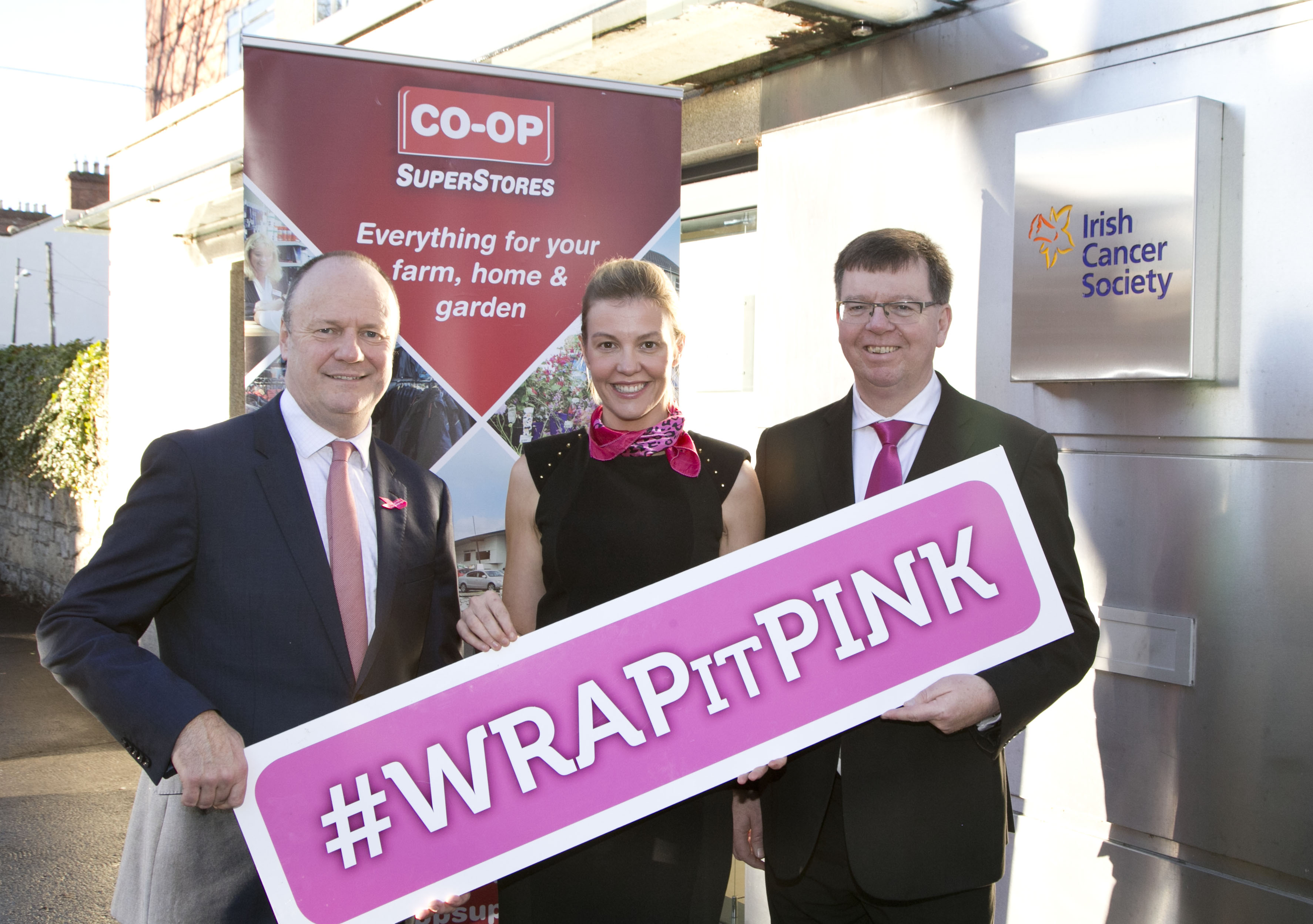 """Dairygold's """"Wrap It Pink"""" campaign raises €17,500 for the Irish Cancer Society"""