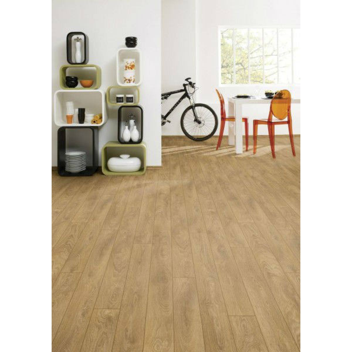 Canadia 12mm Woodgrain Laminate Flooring All Is D Per Pack